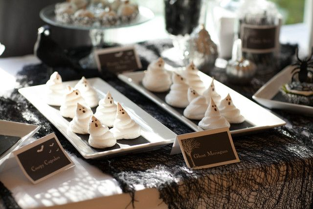 Ghost meringues #halloween