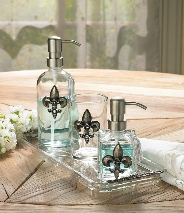 3 piece silver fleur de lis bathroom accessory set for Silver bath accessories set