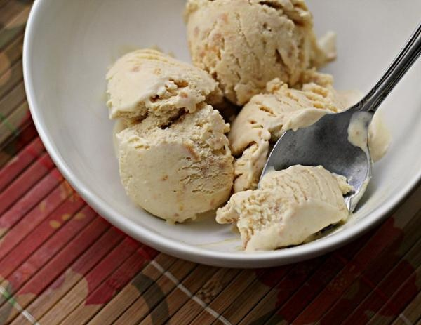Peanut Butter and Honey Ice Cream | Delicious Food | Pinterest
