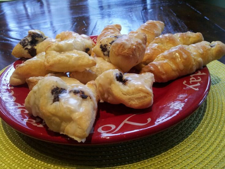 ... ://joythebaker.com/2009/09/chocolate-croissants-in-30-minutes-flat