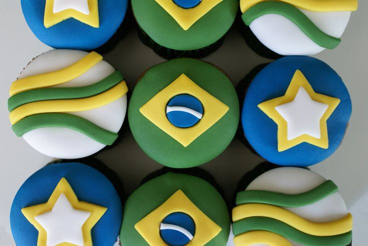 Black Vanilla: Cupcakes Brasil na Copa!