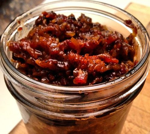 OMG, you HAVE to try this -- Easy Crock-Pot Bacon Jam Recipe http ...