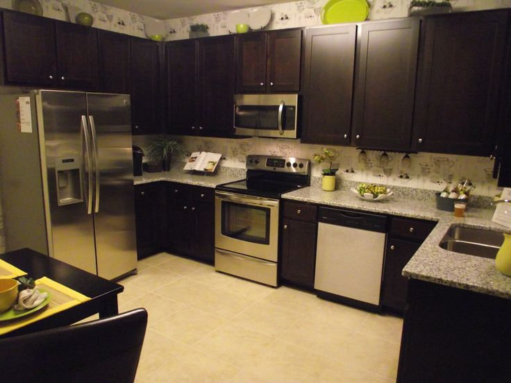 The kitchen has 42 upper cabinets and a stainless steel for 42 upper kitchen cabinets