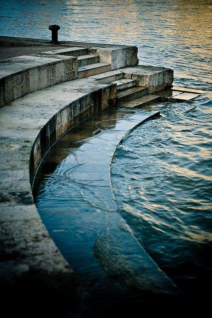 Seine River, Paris Destination: the World #France #Paris #city #vision #pariscityvision #visiterparis #tour #tours #visit #visite #visites #travel #voyage #tourism #tourisme #seine #river #riviere #cruise #croisiere