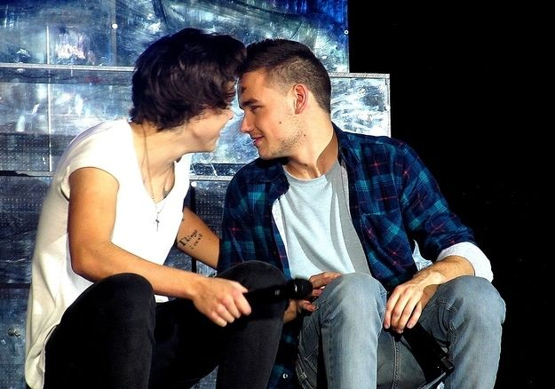 which two one direction members are dating New directions the members of one direction are breaking up to pursue their own projects.