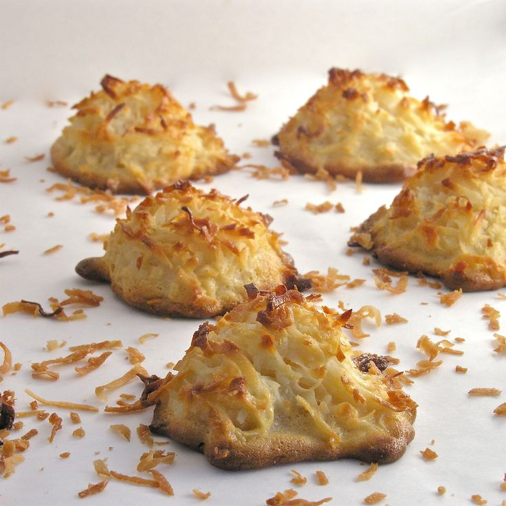 PALEO COCONUT MACAROONS | C Is For Cookie | Pinterest