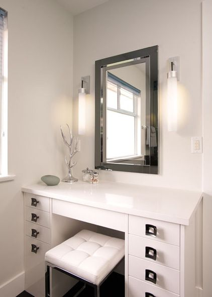 Makeup vanity tocadores pinterest vanity inspiration for a Small makeup vanity