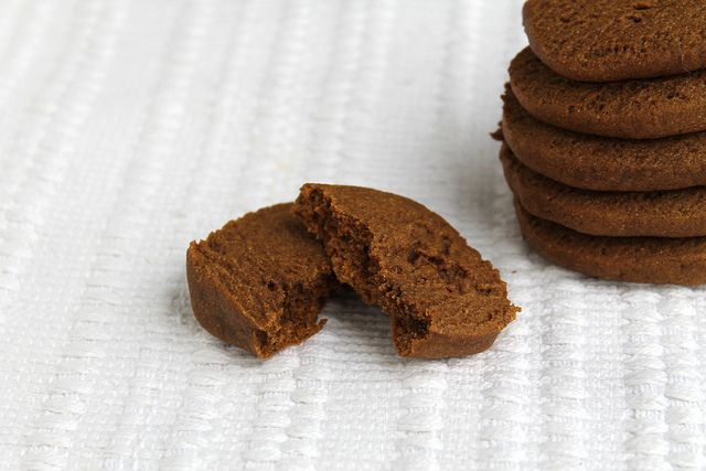 Spicy Gingerbread Cookies - vegan | Cookies & Bars | Pinterest