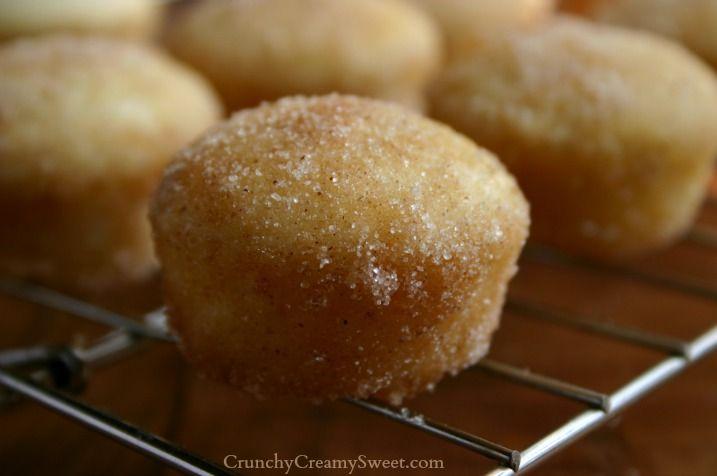 Cinnamon Sugar Mini Donut Muffins CrunchyCreamySweet.com