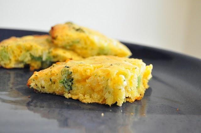 Broccoli Cheese Cornbread | Foods I Wanna Make | Pinterest