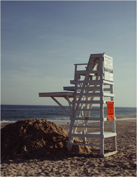 So summer: Fred from Unabashedly Prep snapped this lifeguard stand in the Hamptons. #cultureclub #beach