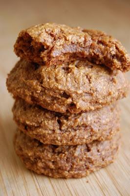 Soft Vegan Ginger Cookies - 65 calories - no butter, no oil, no eggs ...