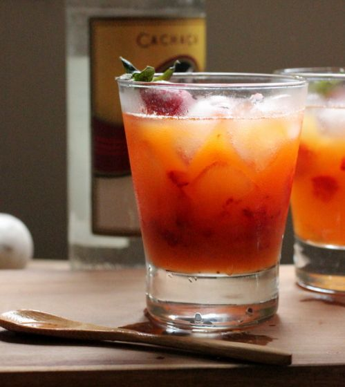 Strawberry and Passion Fruit Caipirinha | Happy hour! | Pinterest