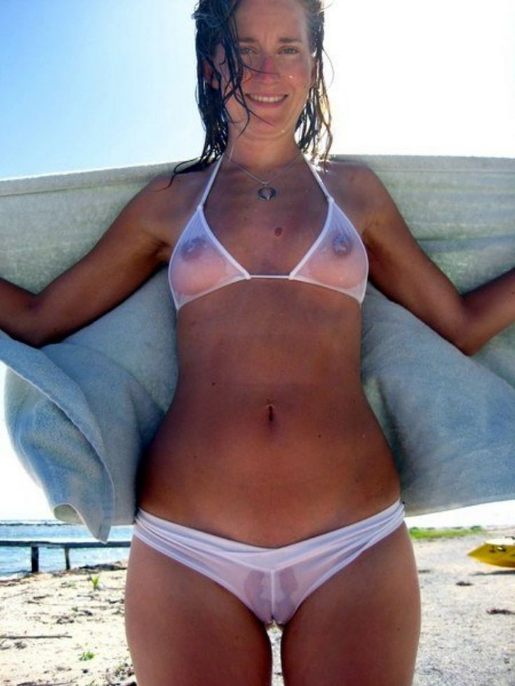 Sexy mature Dyanna Lauren showing her wet cameltoe is sheer bikini bottoms № 528901 бесплатно