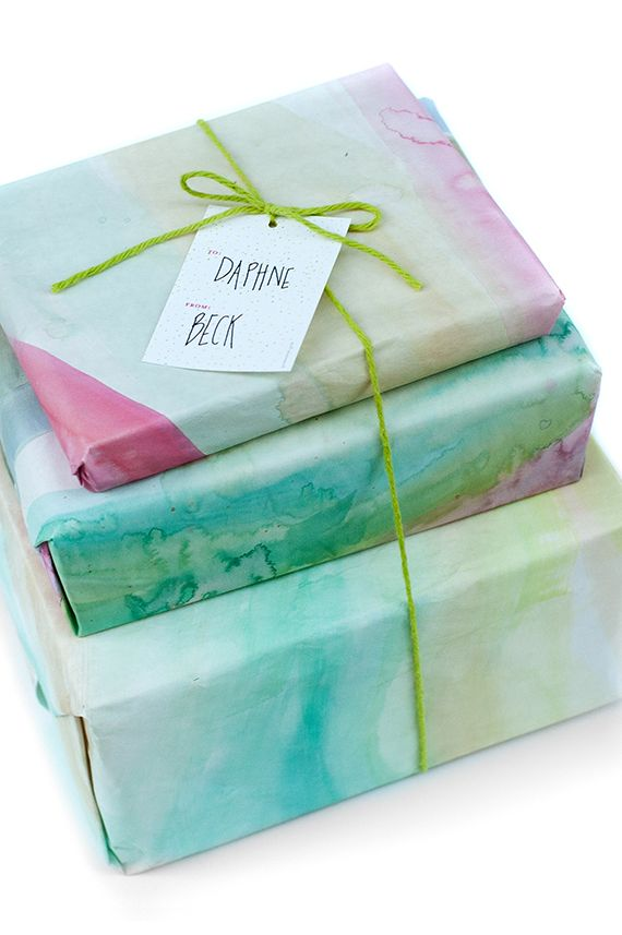 ✂ That's a Wrap ✂  diy ideas for gift packaging and wrapped presents - Watercolor Gift Wrap