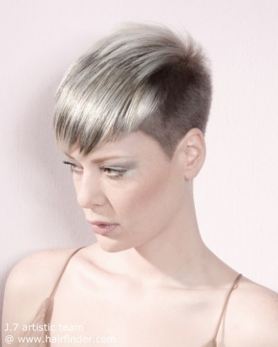 short purple hairstyles : haircut with a buzz short neck and sides hair Pinterest