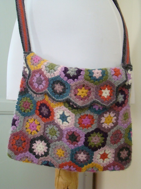 Crochet Hexagon Bag : hexagon purse D I Y - Loisirs creatifs, craft, scrap, crochet, per ...