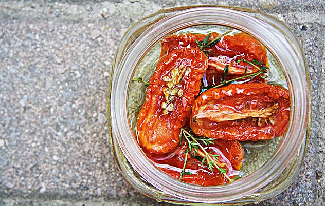 Oven-dried-tomatoes. Sounds super quick, easy and delish! Plum ...