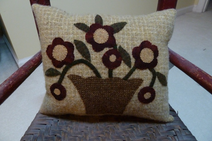 Quilt style flower block. | Cottonwood Lane Primitives | Pinterest