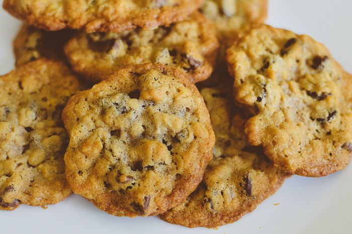 apple cinnamon oatmeal chocolate chip cookies via @ashleegadd.