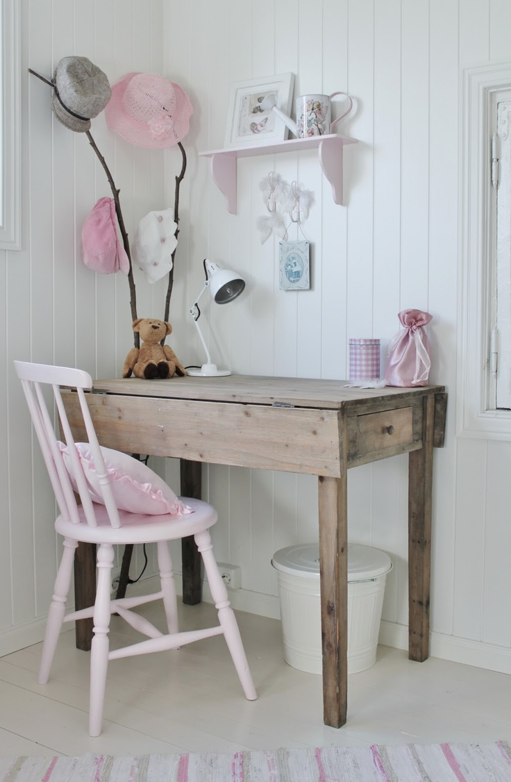 Little Girl 39 S Desk For The Kids Pinterest