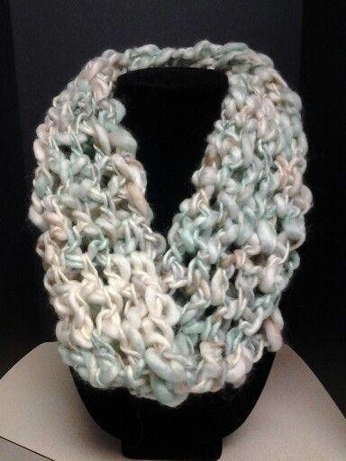 Crochet cowl, thick and thin yarn Knitting and crochet Pinterest