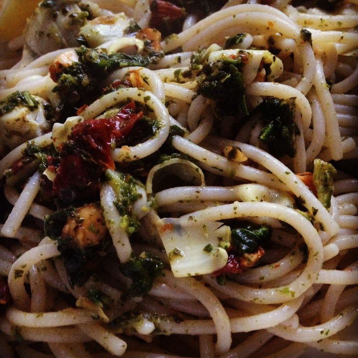 Pasta With Artichoke Hearts, Sun Dried Tomatoes, And ...