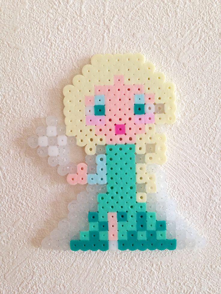 Frozen Elsa Hama beads | ハマ パーラー ビーズ | Pinterest