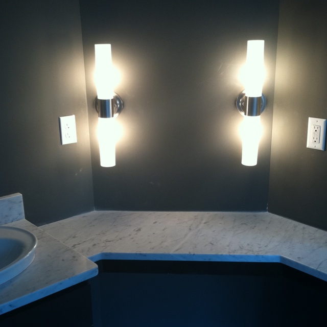 Vanity With Lights Makeup : Makeup vanity lights For the Home Pinterest