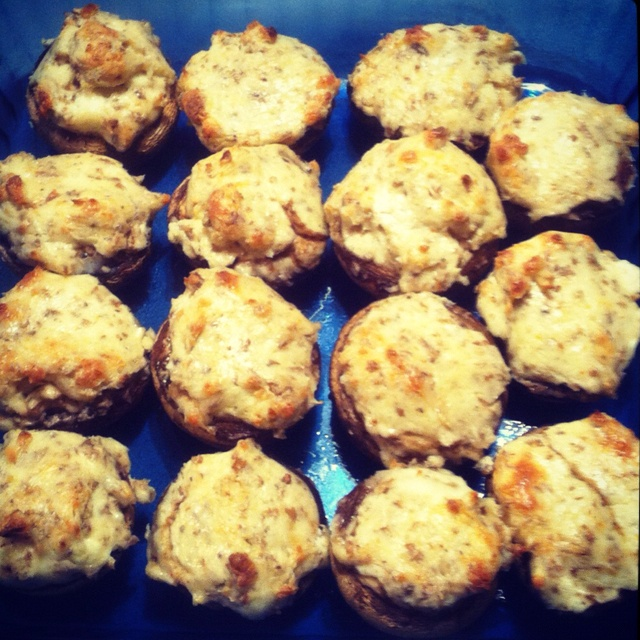 Mouth-Watering Stuffed Mushrooms | Chow | Pinterest
