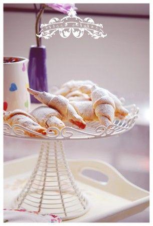 Sour cherry jam cookies | Jam Cookies & Cakes | Pinterest