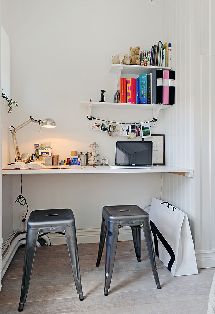 bright little desk nook