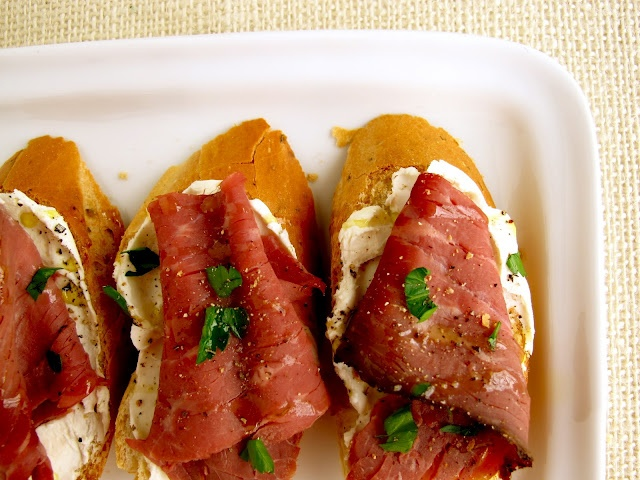 beef and horseradish cream canapes appetizers pinterest