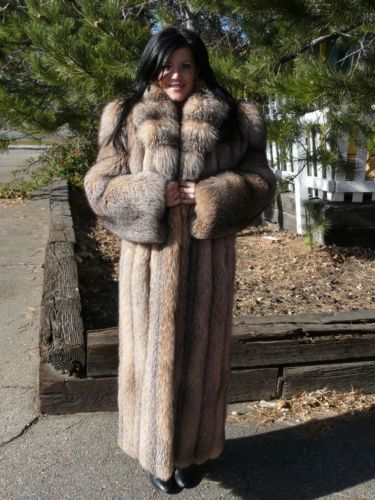 Chelsea in fur coat fucks 6