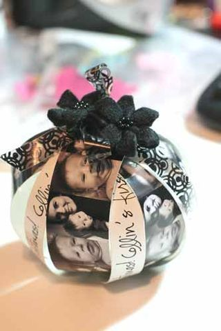 Photo Christmas ornament...easy tutorial.  Great way to document baby's first Christmas.