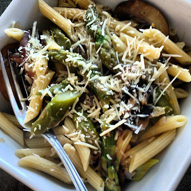 Penne with asparagus & mushrooms