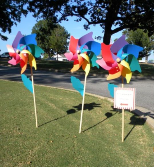 CIRCUS - giant pinwheels