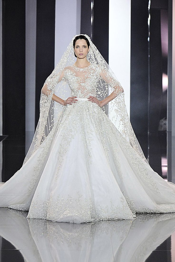35 Gorgeous Wedding Dresses From The Couture Shows