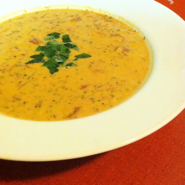 Creamy Tomato and Parmesan Soup! | Potions & Poppy Seeds | Pinterest