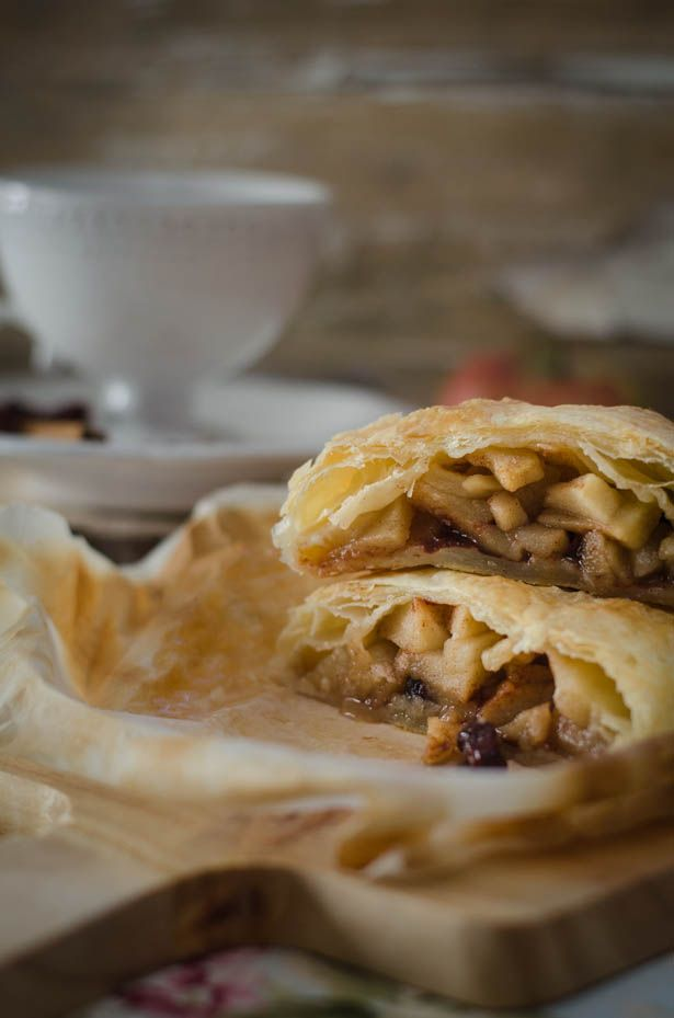 APPLE STRUDEL WITH CRANBERRIES | Feed Need | Pinterest