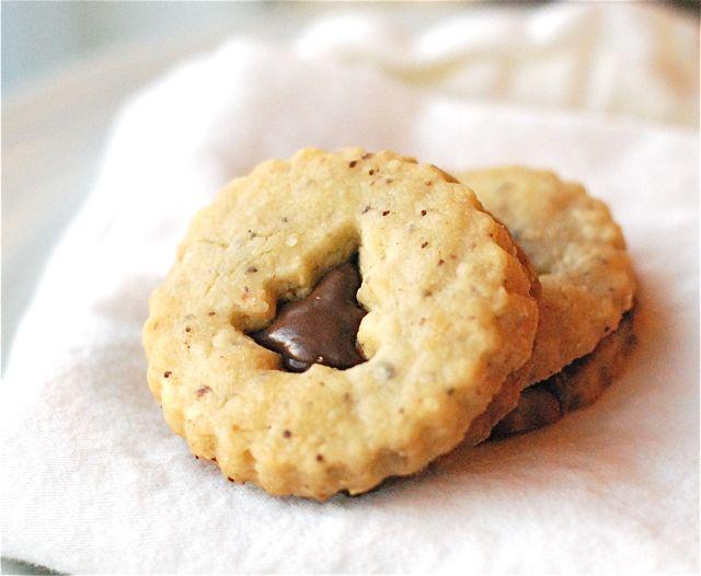Nutella & Hazelnut Shortbread Sandwich Cookies // how cute is the ...