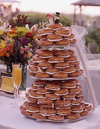An Affordable, Delicious Wedding Cake Alternative: The Donut Tree