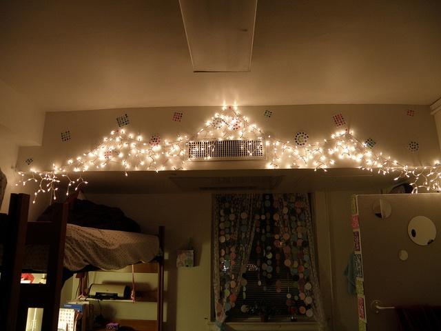 dorm christmas lights | Jaime things | Pinterest