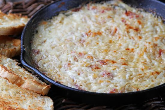 hot caramelized onion dip with bacon and gruyere | the wicked noodle