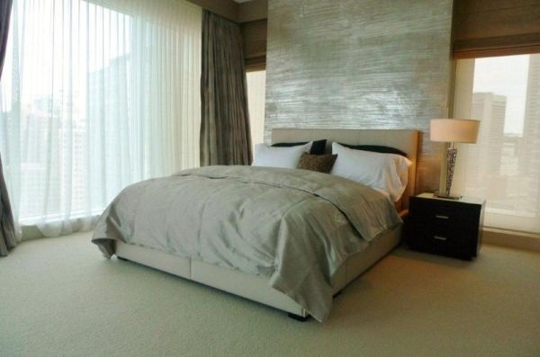 Nice floor to ceiling headboard wall bedrooms pinterest - Floor to ceiling headboard ...