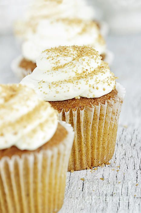 Pumpkin Spice Cupcake With Cream Cheese Icing | Cupcakes ...