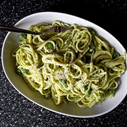 Linguine With Pea Pesto — Punchfork | Vegetarian & Vegan Main Dishes ...