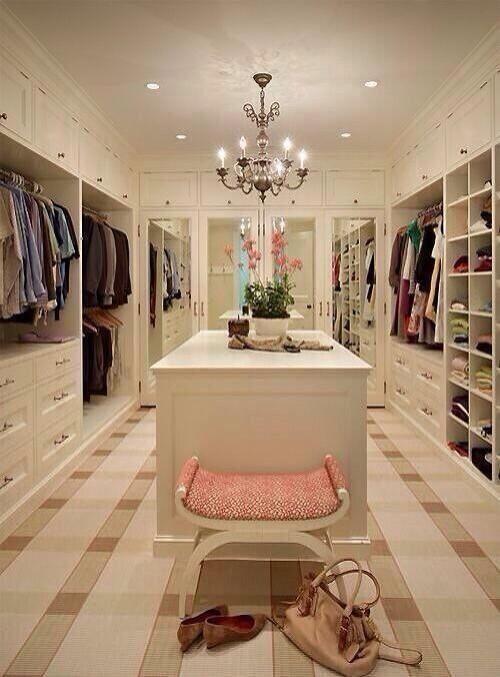 Huge Walk In Closet My Style Classic Sheek Pinterest