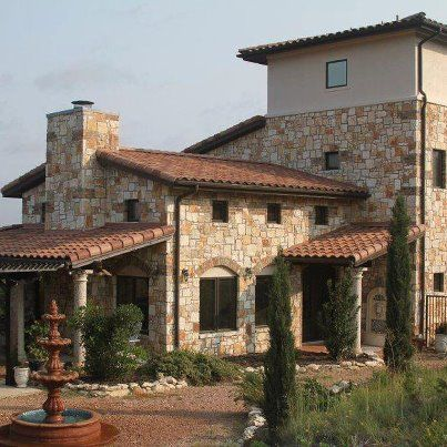 Italian villa with classic tuscan homes elevations for Classic italian house
