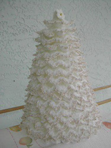 Free Crochet Patterns For Xmas Trees : ... Free Crochet Christmas Tree patterns on mooglyblog.com Christmas